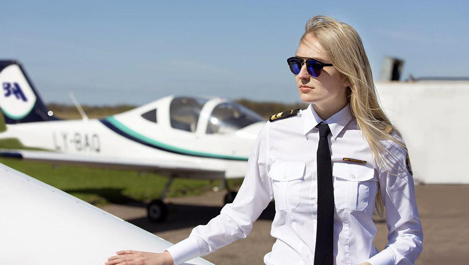 female pilot baatraining